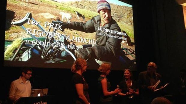 An inspirational film about a one-legged musher from Quaqtaq, Que., who participates in the Ivakkak race each year, won an award at the 25th First Peoples Festival in Montreal on August 3.