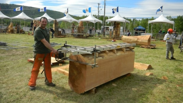 Chainsaw carvers from across canada bring their chops to