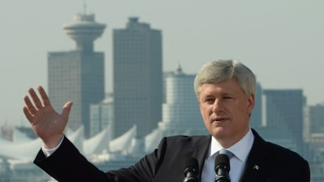 Economists welcome Harper promise to collect foreign real estate investment data