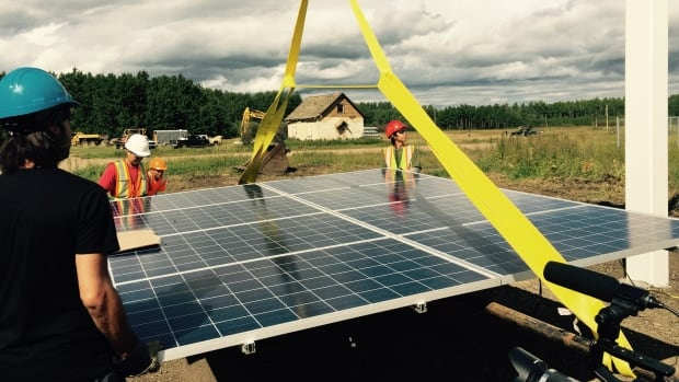 The Lubicon Lake First Nation will hold a ribbon cutting ceremony for its solar power project on Sunday.