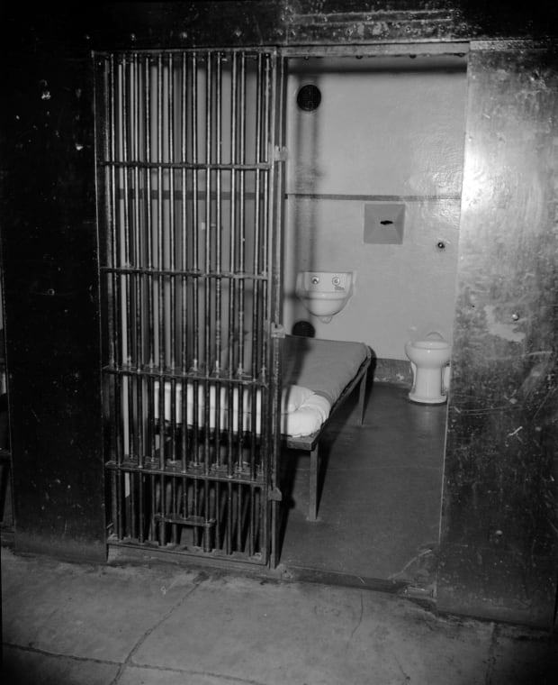 penitentiary crime and american prison paper Prisons full to the brink - american prisons are being filled to the brink with new prisoners being transferred in daily and few being released back into the world, it is no wonder why the most important issue with today's prison system is the mass overcrowding taking place in our prisons.