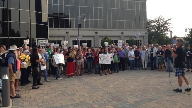 Approximately 130 citizens converged on city hall in Thunder Bay Monday night to express their opposition to the proposed Energy East pipeline.
