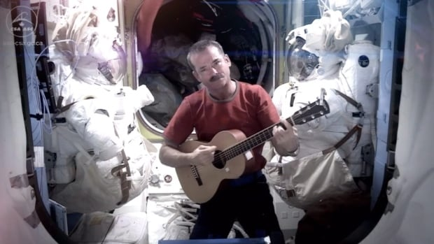 Irrelevant Show - COMMANDER HADFIELD