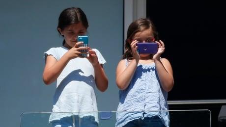 TENNIS-OPEN girls phones smartphones