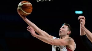 FIBA Americas: Nik Stauskas scores 16 points to lead Canada over Venezuela