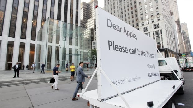6S Marketing parked this truck in front of Apple's Manhattan flagship store for about an hour on Wednesday.