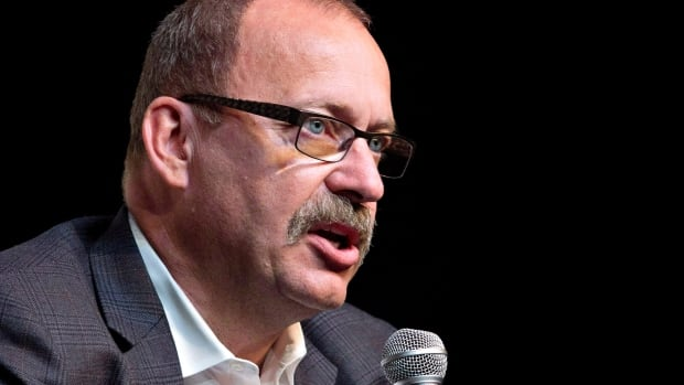 Interim PC Leader Ric McIver's tweet blaming the NDP's minimum wage hike for job losses in the food service industry sparked a social media debate.