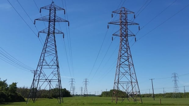 The agreement between Manitoba Hydro and SaskPower will see a minimum of 100 megawatts of electricty — enough to power 40,000 homes — flow from Manitoba to Saskatchewan annually, beginning in 2020.