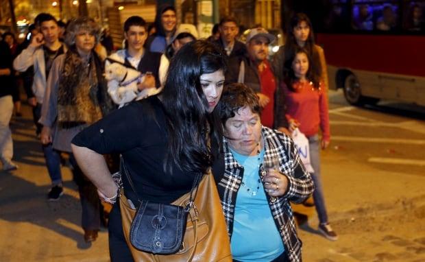 CHILE-QUAKE evacuation Valparaiso city Sept 16 2015