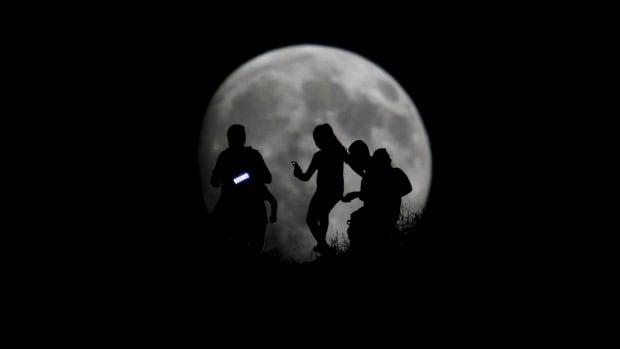moon for sunday night