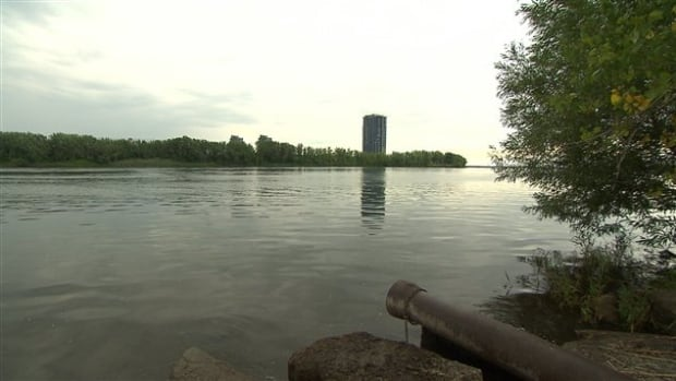 The City of Montreal says the weeklong purge of a major sewer interceptor doesn't pose an environmental risk, because the wastewater will be easily diluted in the fast-flowing St. Lawrence River.