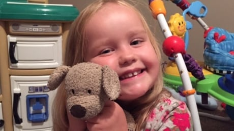 'Thought he was a goner:' Saskatoon girl's teddy bear returned after airport adventure