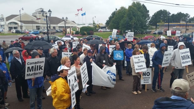Dairy farmers and their supporters gathered in Summerside to express their concerns about the Trans-Pacific Partnership.