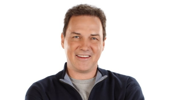 Comedian, actor and writer Norm Macdonald will host the 2016 Canadian Screen Awards.