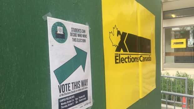 Elections Canada set up pop-up polling stations for four days at select university campuses as part of a pilot program.