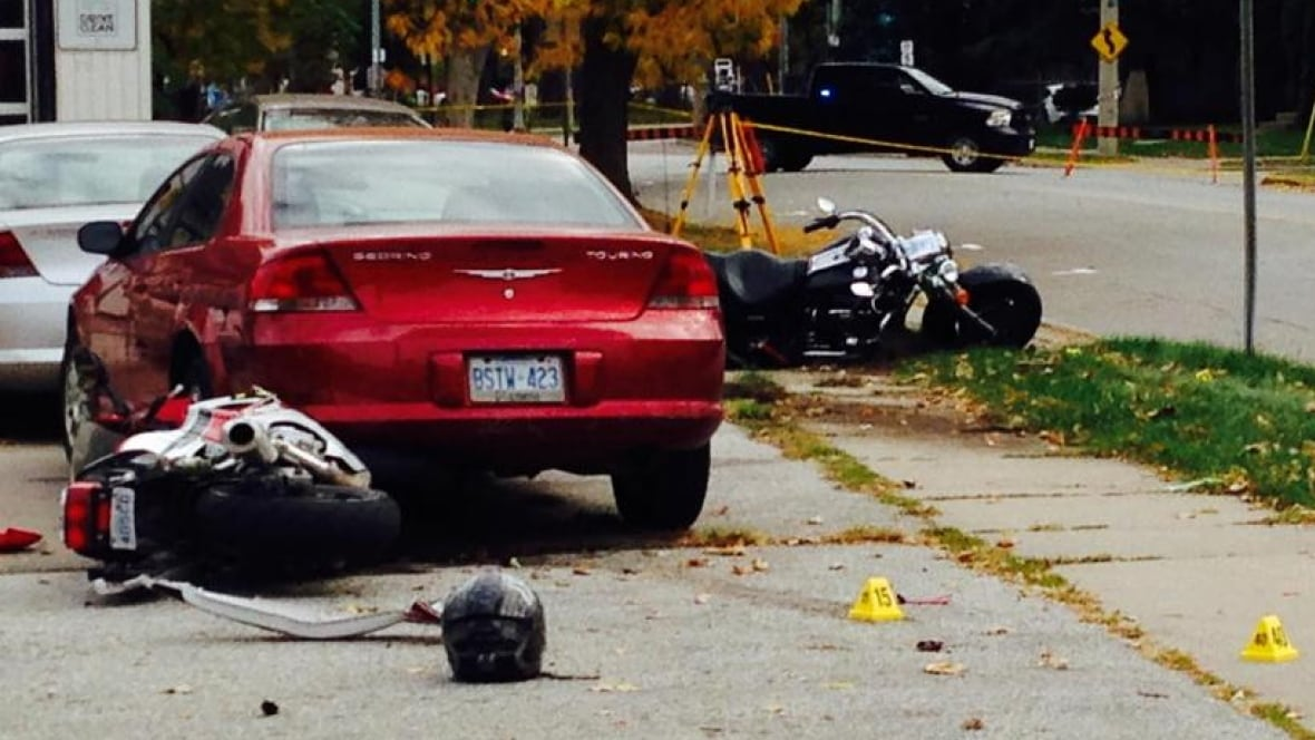 1 Dead In Early Morning Motorcycle Crash On West End
