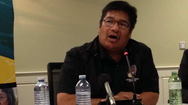 Neskantaga Chief Wayne Moonias pressed the Liberals to fulfil their election promises after 20 years of drinking water problems in his northern Ontario First Nation.