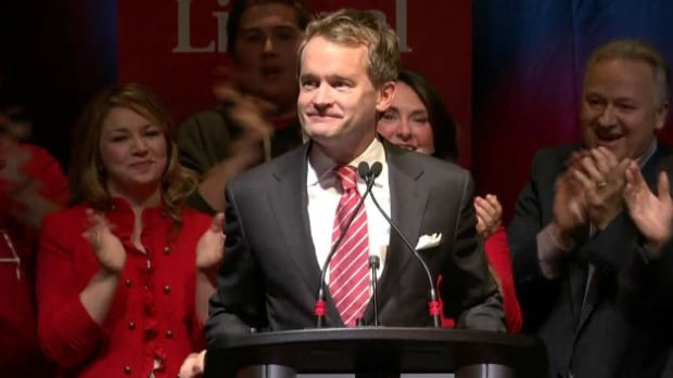 Seamus O'Regan addresses supporters after being winning St. John's South-Mount Pearl for the Liberals.