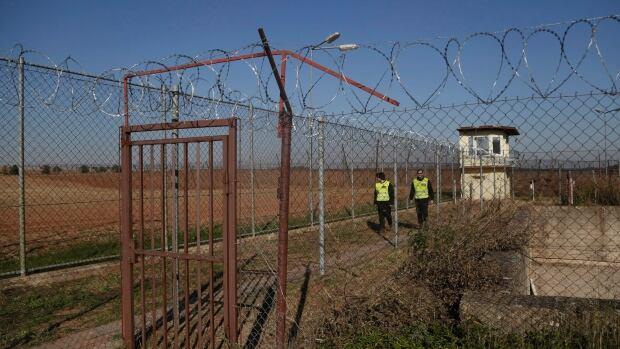 [Image: czech-republic-migrants.jpg]