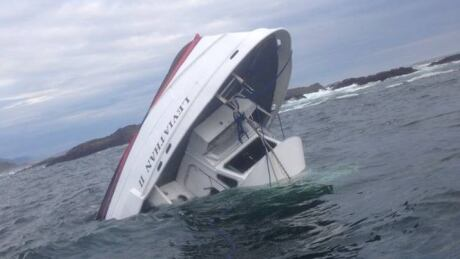 5 British nationals dead after Tofino whale-watching boat capsizes