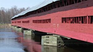 Félix-Gabriel-Marchand bridge Mansfield-et-Pontefract