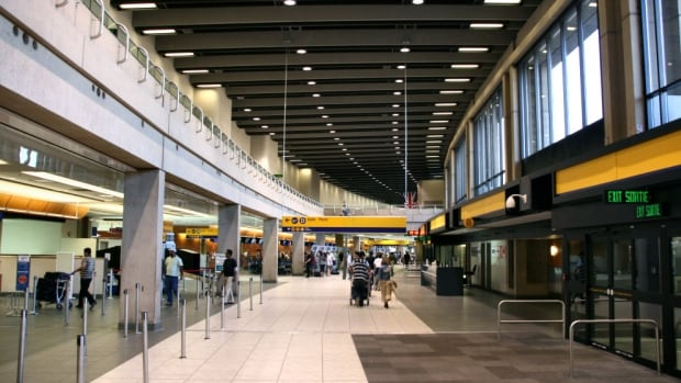 There is no longer 30 minutes of free parking at the Calgary Airport.