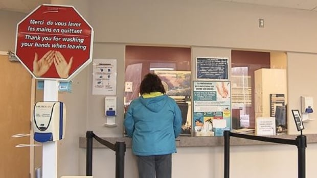Information for patients' health and safety can still be posted in English at Gaspé hospitals, but not direction signs.