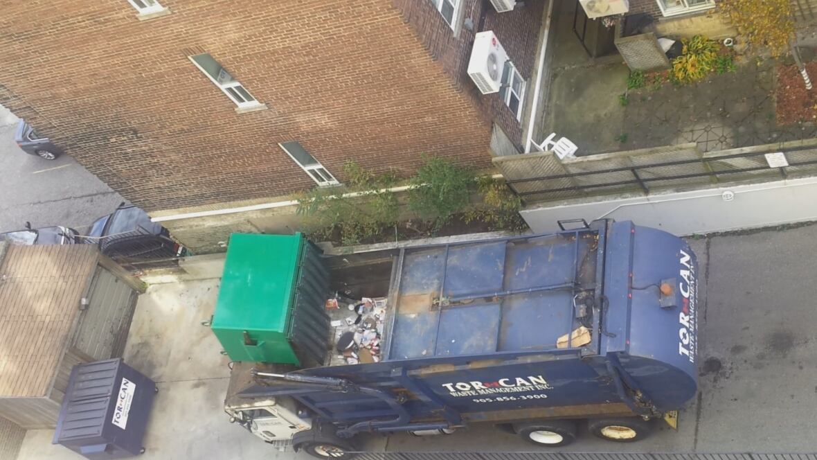 toronto resident catches private garbage collector mixing