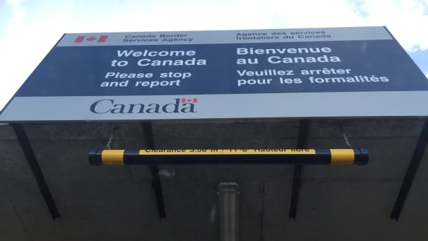 Canadian border agents now have more access to a law-enforcement database to screen visitors, CBC News has learned.