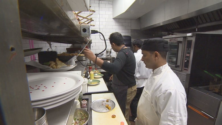 Amaya restaurateur hemant bhagwani takes tipping off the for Amaya indian cuisine