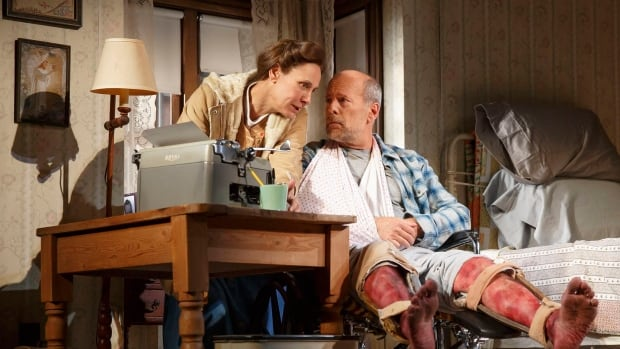 Laurie Metcalf theatre