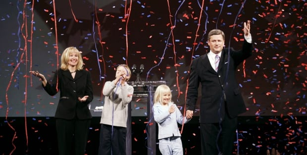 Stephen Harper and family celebrate minority government win