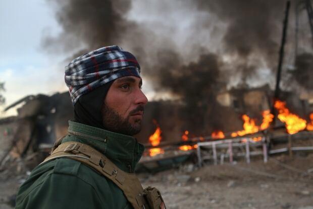 Sinjar Iraq retaken from ISIS Peshmerga soldier patrol Nov 15 2015