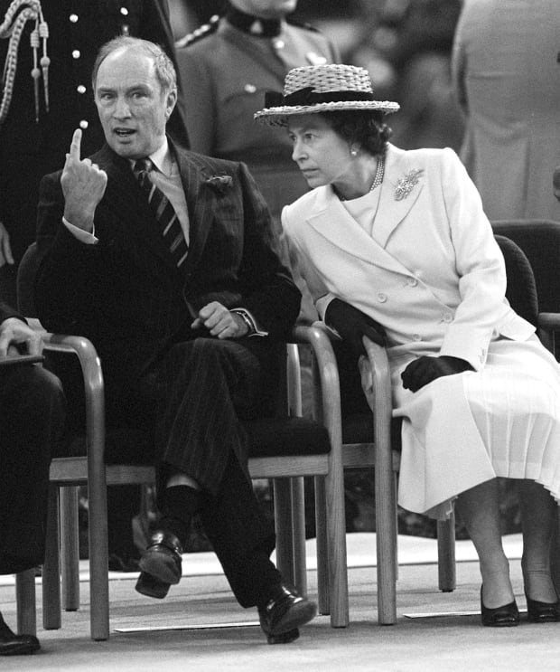 Justin Trudeau S First Audience With The Queen What