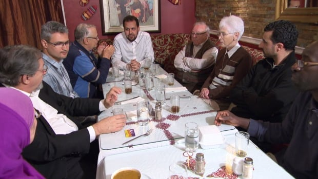 The Christian-Muslim dialogue committee of Gatineau breaks bread and makes plans to sponsor two Syrian refugee families.
