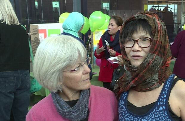 Joyce Hildebrand, Jane Wong