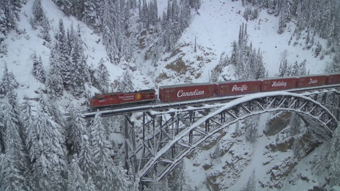 Cp Holiday Train Set To Stop In Hamilton On Monday