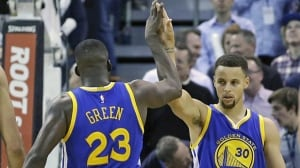 Warriors win 19th straight game to open season