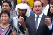 Okalik Eegeesiak and François Hollande