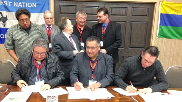 First Nations leaders from northern Ontario signed an agreement Wednesday in Thunder Bay to build a food distribution centre at the airport in Sioux Lookout, Ont. that would serve remote northern communities.
