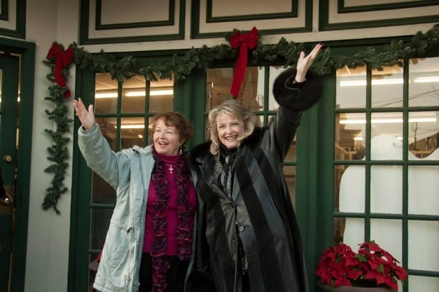 It 39 S A Wonderful Life Festival Brings Calgary Fan To The 39 Real 39 Bedford Falls Calgary Cbc News