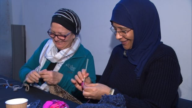 knitting for Syrian Refugees