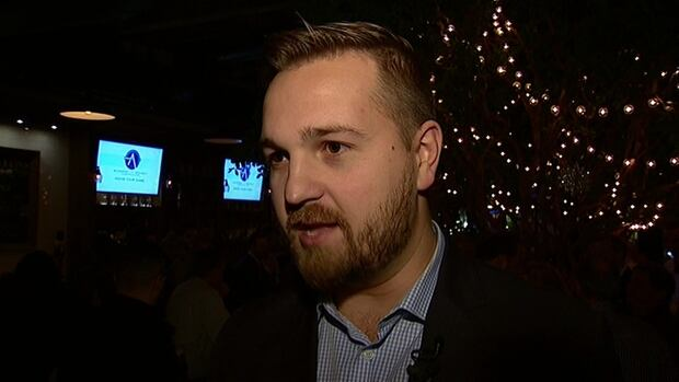 Wildrose finance critic Derek Fildebrandt co-hosted a unite the right pub night at Wurst in Calgary to find common ground amongst PC and Wildrose supporters.