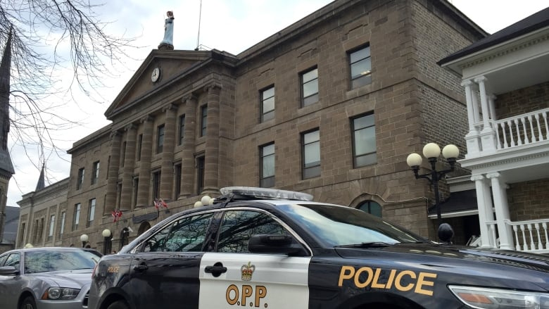 Brockville courthouse with OPP car