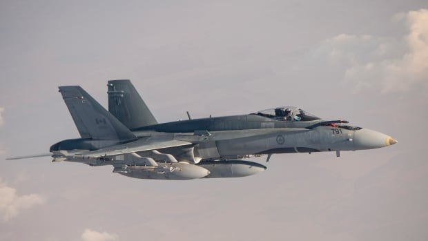 A Royal Canadian Air Force CF-18 Hornet flies over Iraq during Operation Impact on Nov. 7, 2015.
