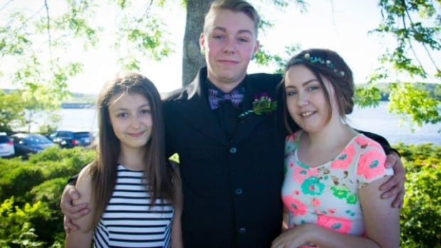 John Nowe's kids are Olivia Nowe, 13, Jared Nowe, 18 and Lauren Nowe, 15. Jared and Lauren have cystic fibrosis and Type 1 diabetes.