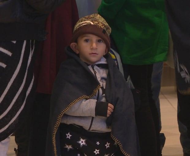 Syrian refugees arrive in Winnipeg