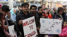 Saskatoon - syrian refugees arrive - Supporters
