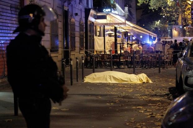 2015 photos of the year Paris attacks Nov 14 Bataclan body