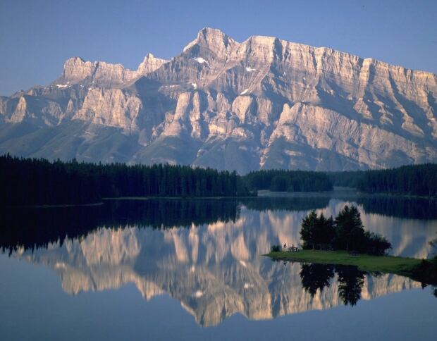 Lake Louise Environment 20150616
